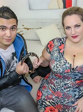Huge breasted Sophia Lola loves facesitting on her toy boy