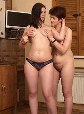 Two old and young bisexual ladies get warmed up for a threesome