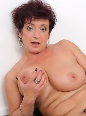 Slutty blonde milf amazing solo masturbation show