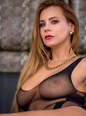 Big breasted mature babe Dorothy Black toying her older pussy.